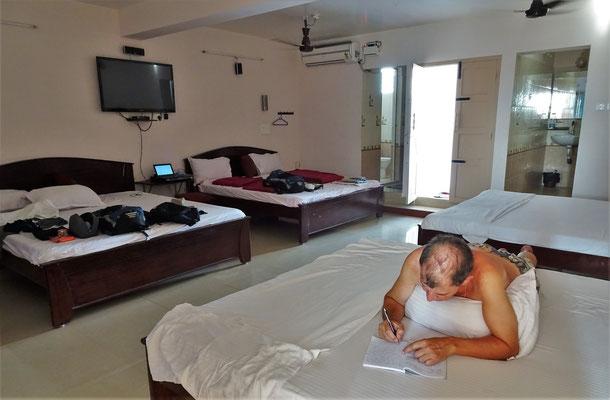 Unser Zimmer mit 4 Doppelbetten....
