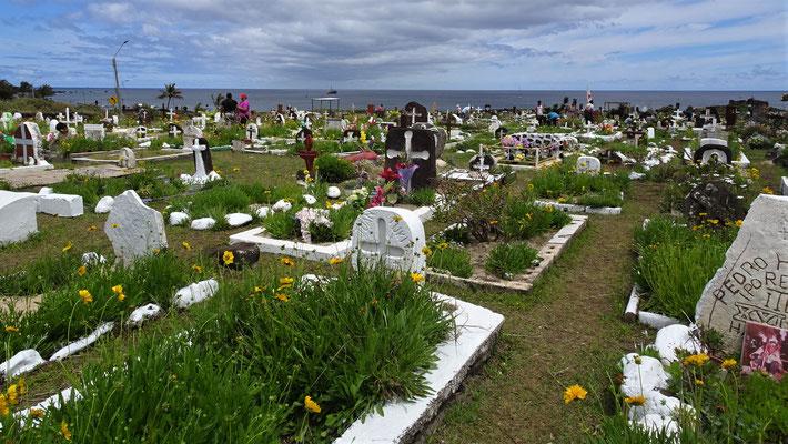 ......viele Gräber für Allerheiligen.....