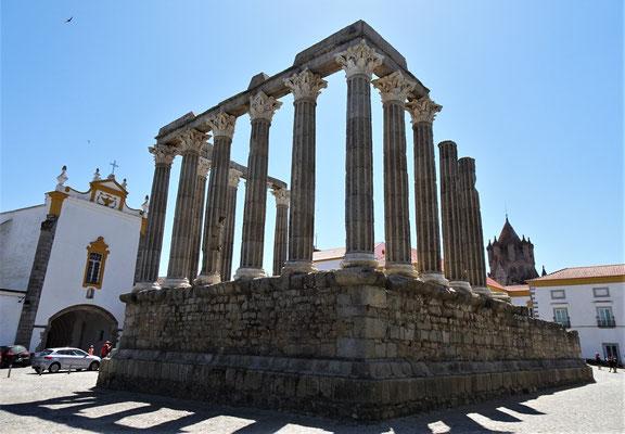 Römische Tempelruine.