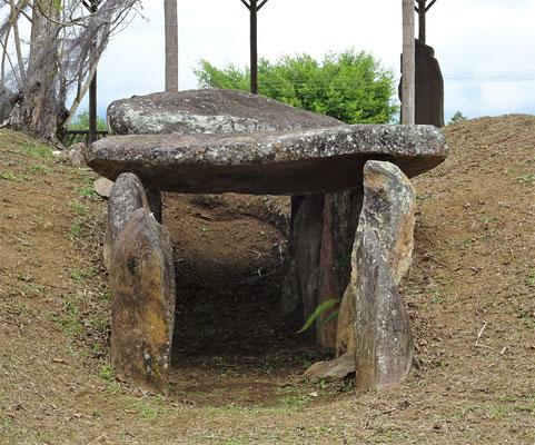 Das Grab.