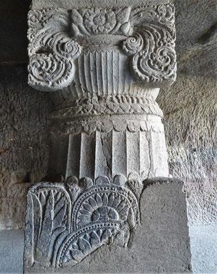 ...mit den reich verzierten Säulen...