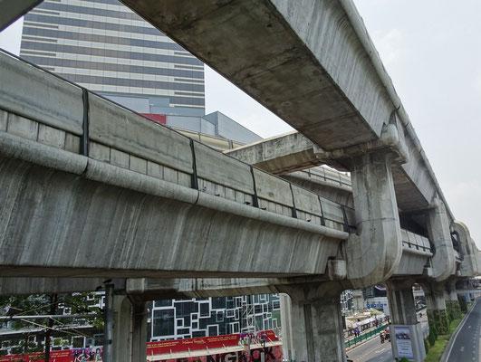 Brücken für die Hochbahnen.