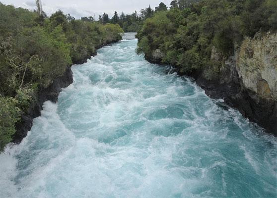 .....den riesigen Wassermassen.....