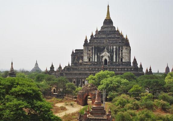 Der Ananda Phaya Tempel...