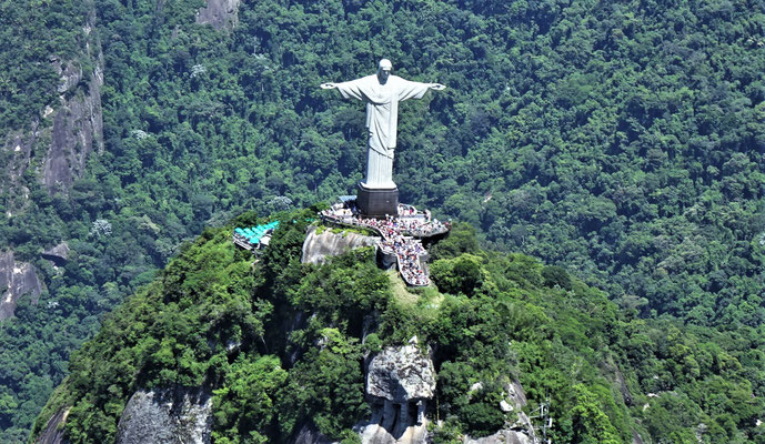 ....Christus Statue.