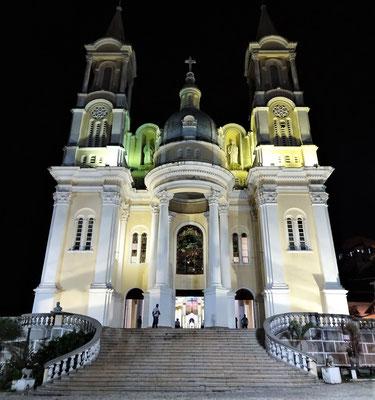 Die Kathedrale in der Nacht.