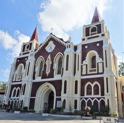 .....zur Bantay Kirche.