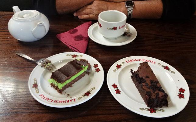 Bei Tee und Kuchen......