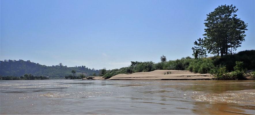 .......Flusslandschaft.