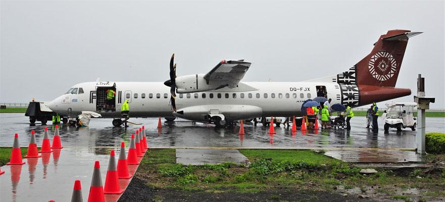 Unsere Ankunft in Apia........mit Dauerregen.