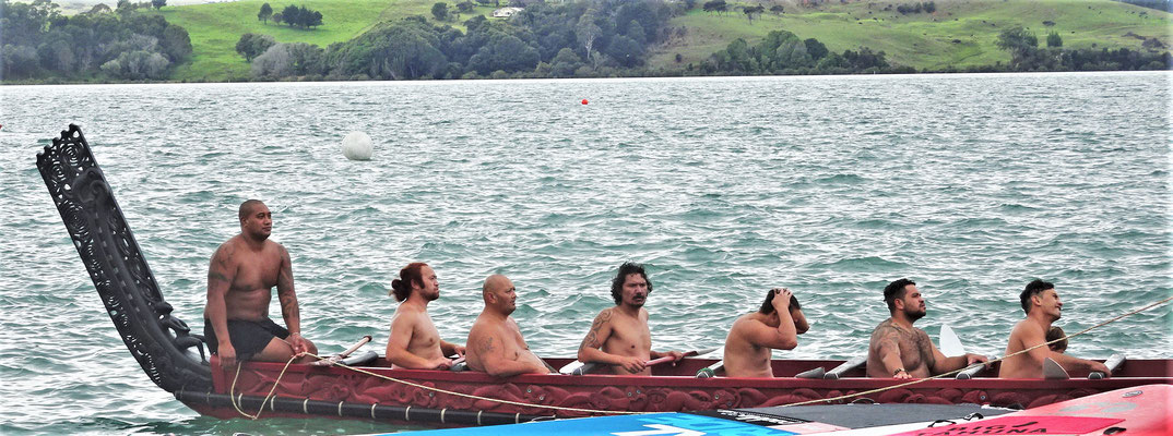 Ein Maori Kanu...