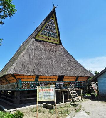 Das Batak Karo Dorf Lingga mit den traditionellen Häusern....