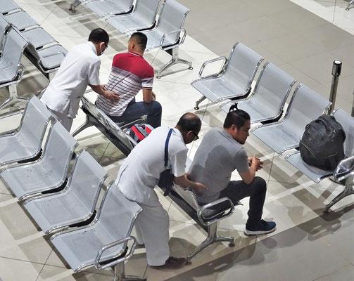 Eine Massage vor der Überfahrt.