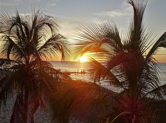 .....den Sonnenuntergängen.