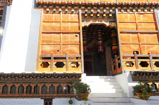 Der Eingang zum Tempel...