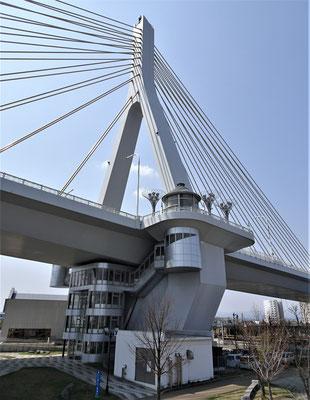 Die Bay Bridge und....