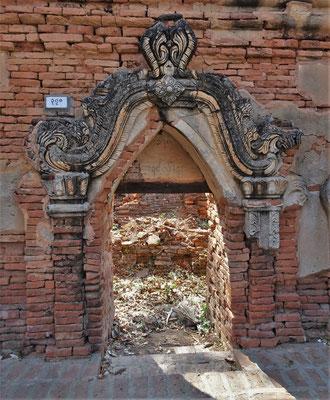 ....die aus Backsteinen gebaut wurde....