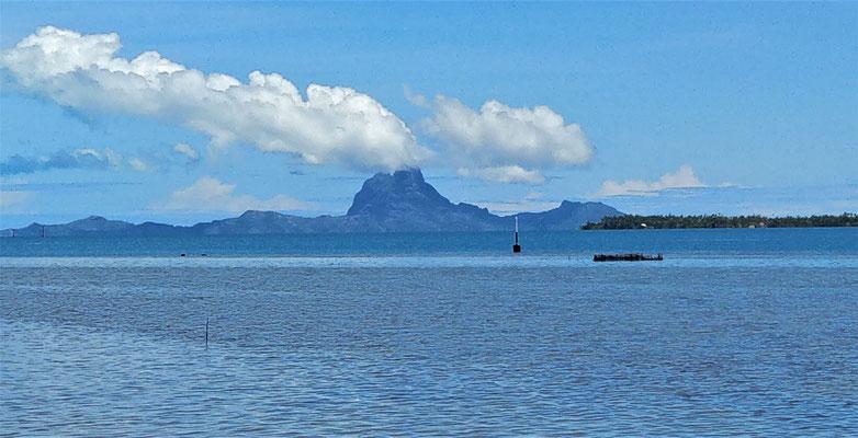 Sieht aus wie der Ausbruch des Vulkans auf Bora Bora.