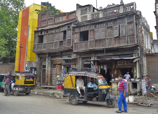 Altes Holzhaus in Amritsar.