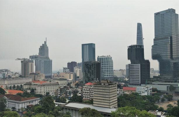 Dichter Dunst über Saigon......