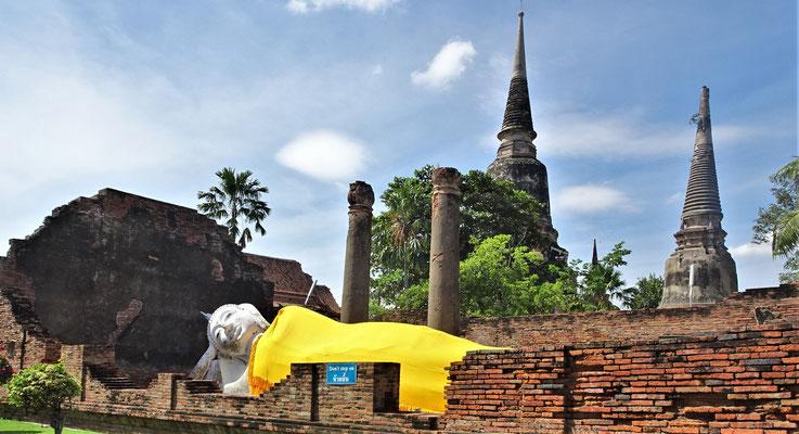 Der Wat Chai Mongkhon.....