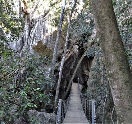 Der Zugang zu der Höhle.