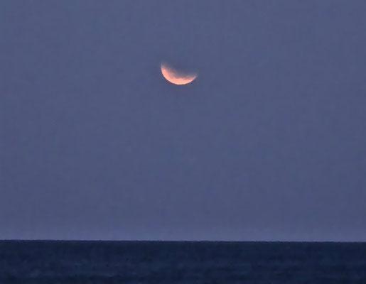 So sahen wir den roten Mond.