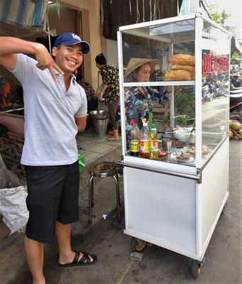 Lee kauft sich ein Sandwich. Für ihn etwas anderes.
