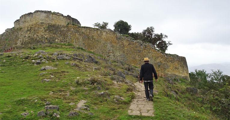 Die Chachapoyas bauten diese Festung......