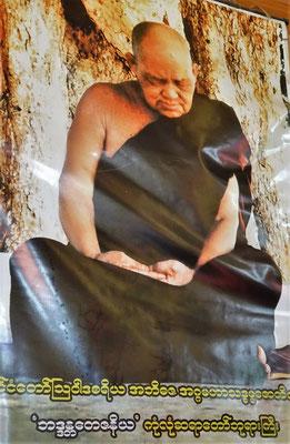 Einige Fotos des Mönches der kurz vor seinem.....