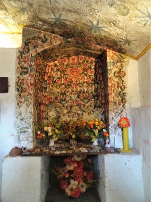 .....mit Altar.