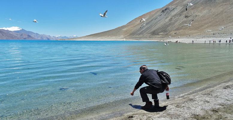 Der See ist leicht salzhaltig.