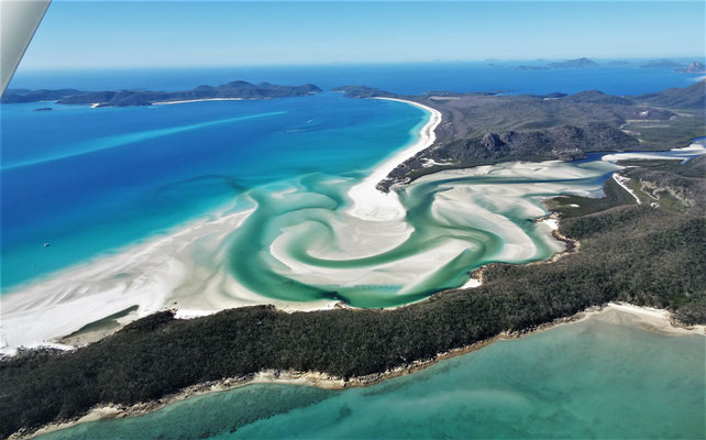 Die Whitehaven Beach.