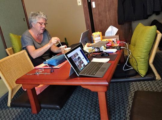 Unser Büro im Wohnzimmer.