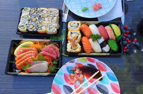 Feines Sushi zum Abendessen.