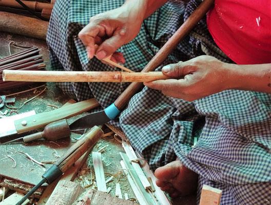 ...aus einem Bambusstäbchen...
