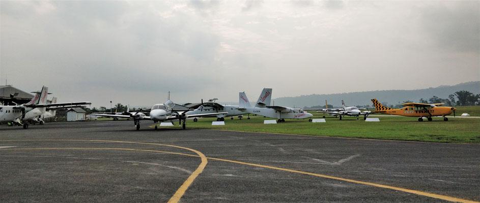 ....auf Port Vila aus.