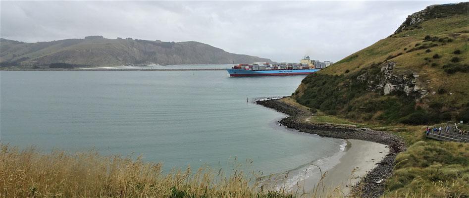 Containerschiff auf dem......