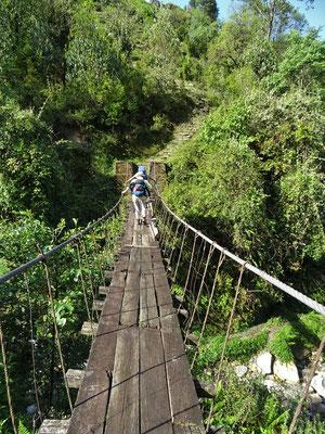 Eine weitere wackelnde Hängebrücke