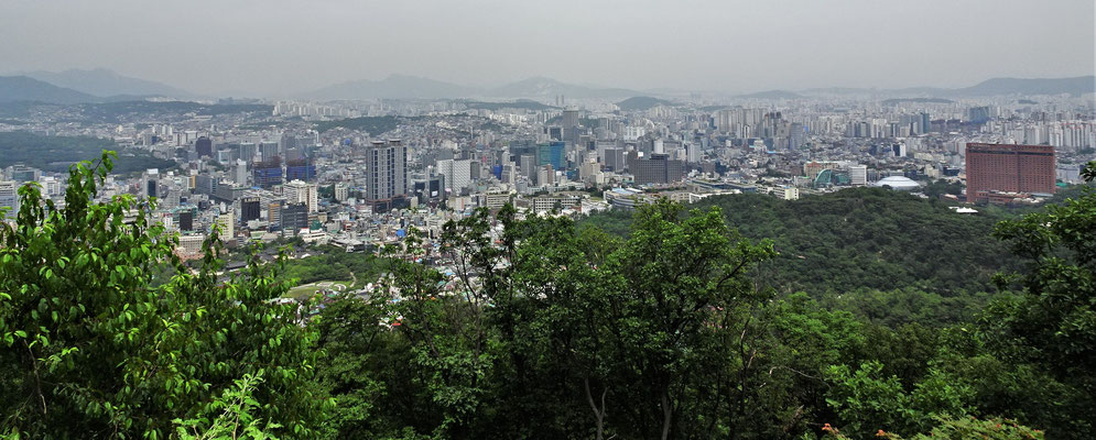 ....sahen wir auf die Stadt herunter.