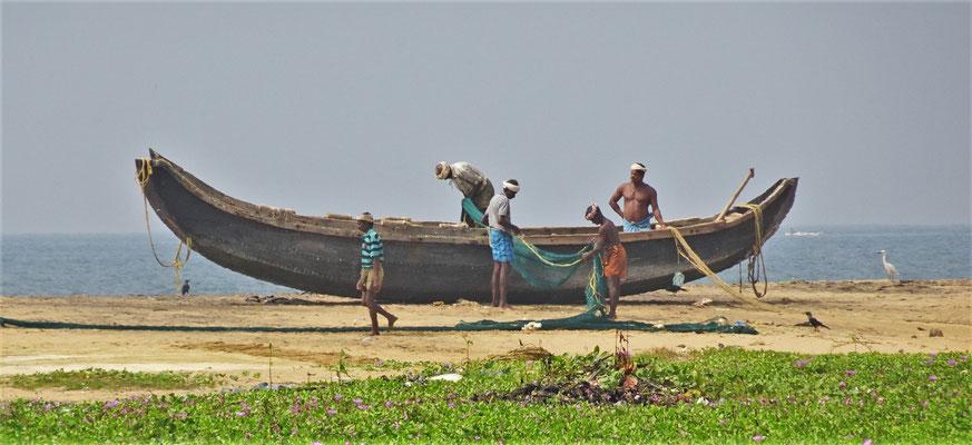 ...und den Fischer bei ihrem Boot....