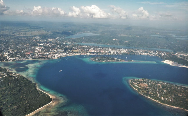 Abflug in Port Vila.