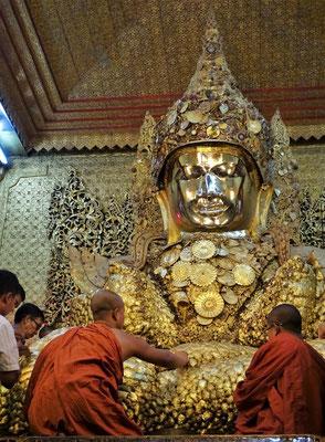 Inzwischen hat diese Buddhafigur....