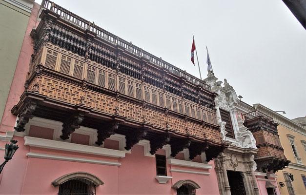 Balkone im Spanischen Kolonialstil.