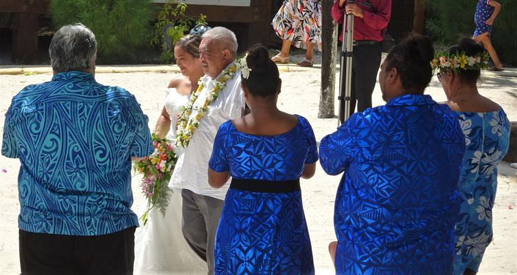 .....auf die Hochzeitszeremonie.