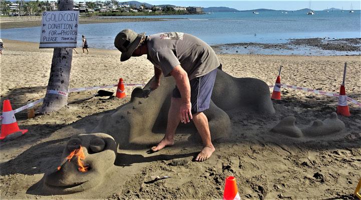 Auch ein Sandkünstler war anwesend.