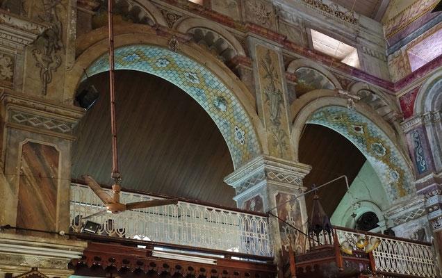 ...den seitlichen Balkone...