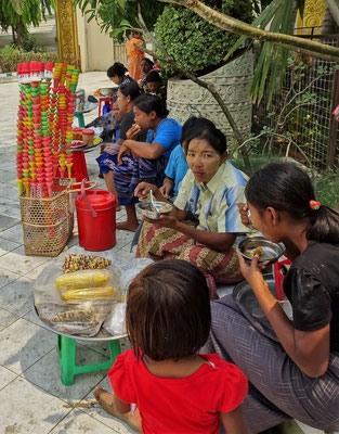 Die Glaceverkäuferinnen die...