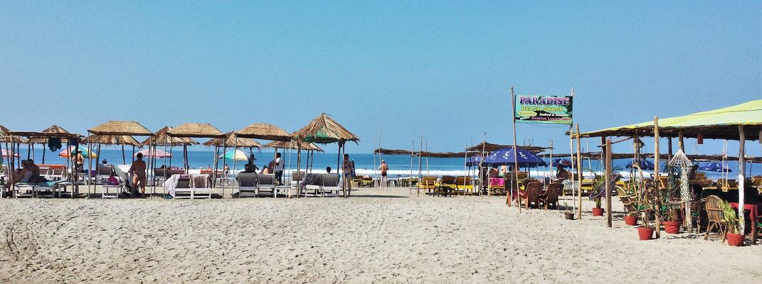 ...an der Ashwem Beach mit...