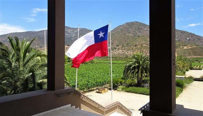 ....mit der Chilenischen Fahne....